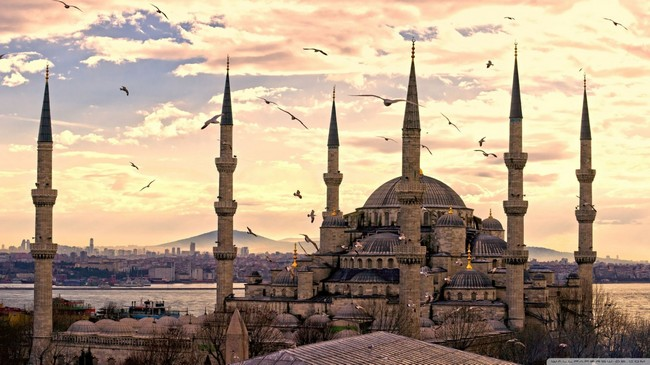 sultan_ahmed_mosque_istanbul_turkey-wallpaper-1366x768