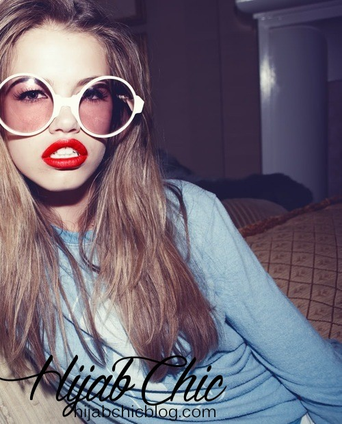 red_lips_round_glasses_tumblr