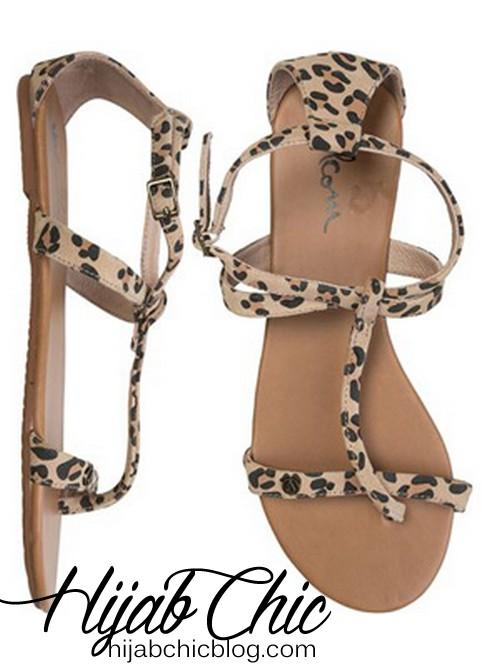 volcom-metropolis-vegan-leopard-print-sandal