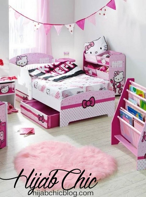 Hello-Kitty-Theme-for-Kids-Room-Design-with-Pink-Love-Shaggy-Rug-on-the-White-Laminate-Flooring