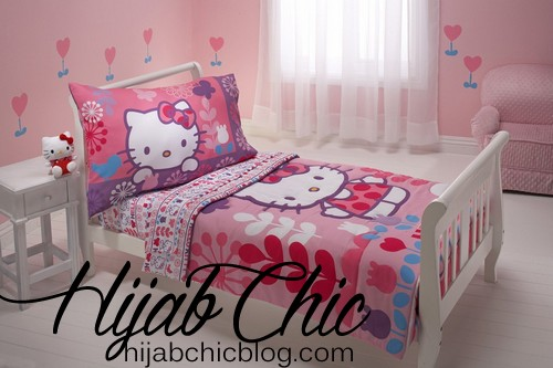 hello-kitty-pink-girl-bedroom-decorating-ideas