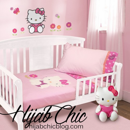 natural-lambs-ivy-hello-kitty-garden-pc-toddler-bedding-set