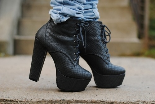black-boots-fashion-heels-leather-Favim