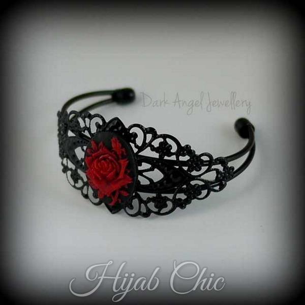 red_rose_cameo_cuff_black1